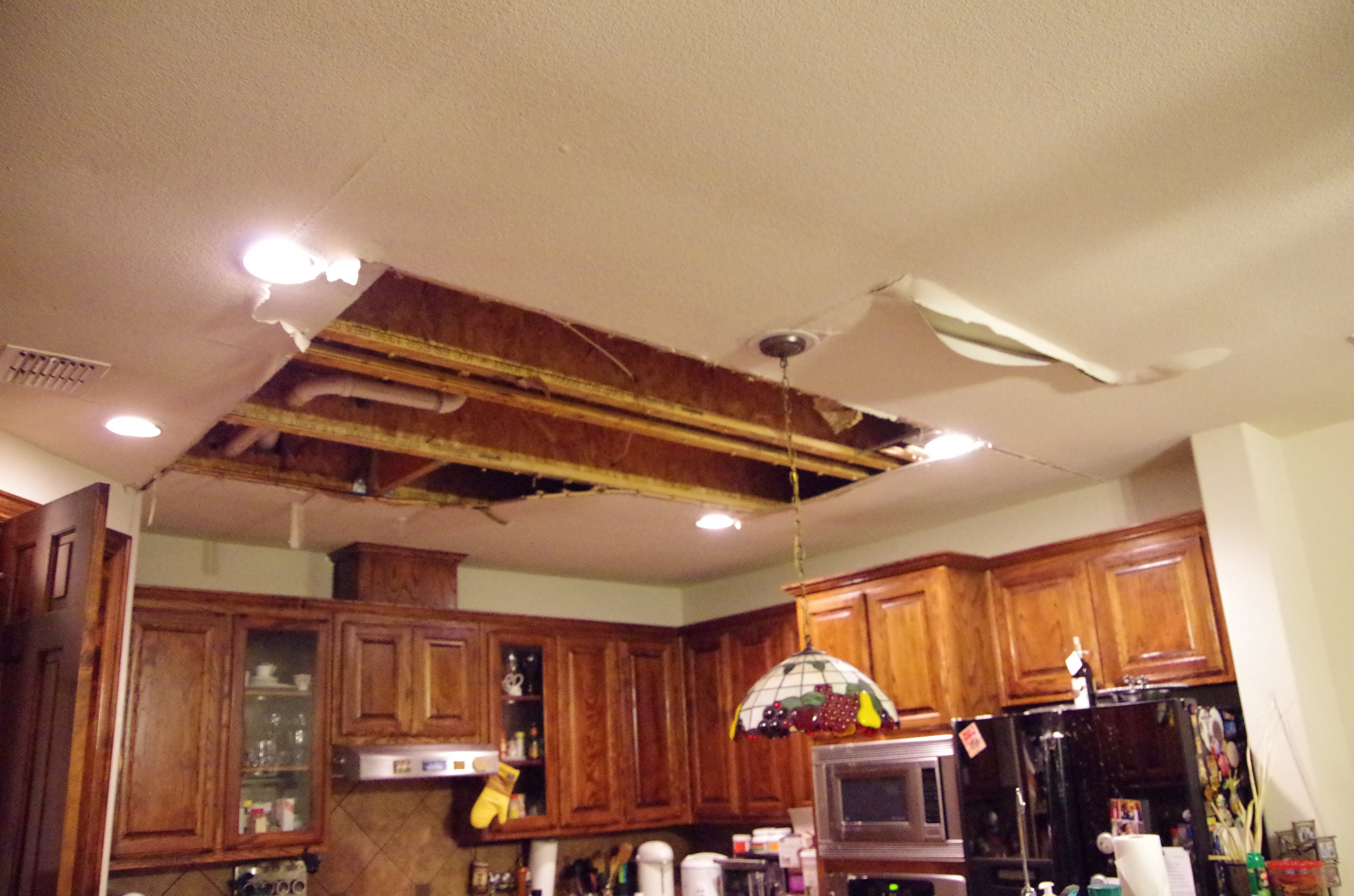 Kitchen Ceiling water damage - Dalworth Restoraration